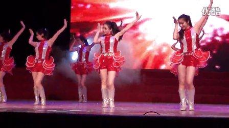 幼儿园庆61老师动感舞蹈